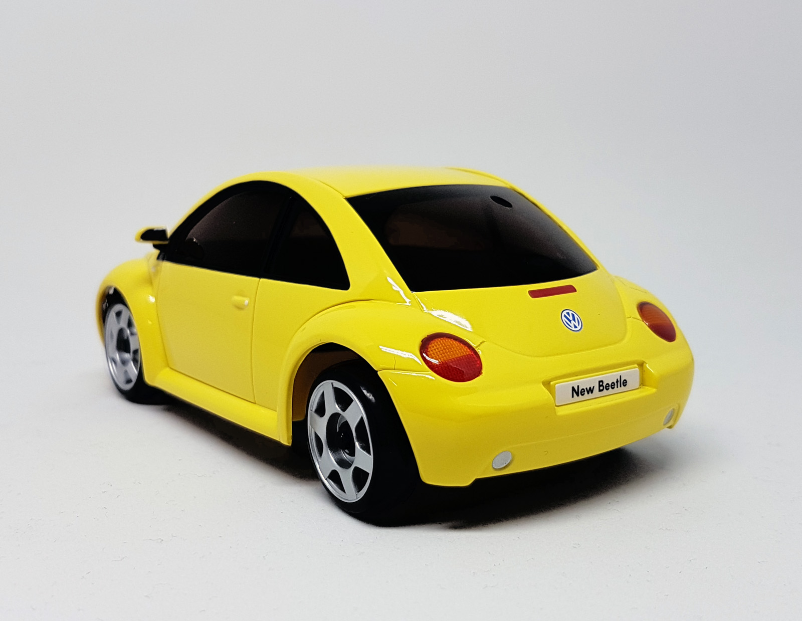 mini z mr03ve vw new beetle gelb kyosho x24. Black Bedroom Furniture Sets. Home Design Ideas
